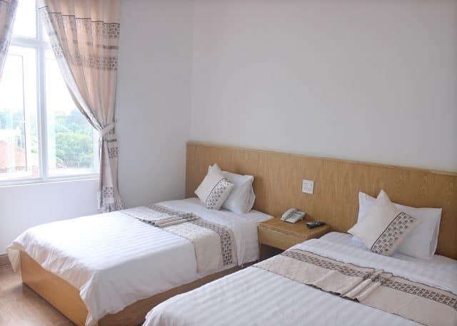 Phòng nghỉ luôn gọn gàng sạch sẽ ở King hotel (Ảnh ST)