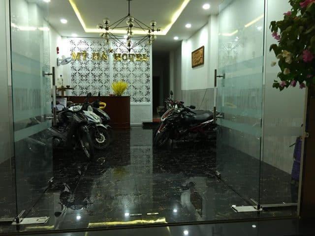 Khách sạn cung cấp chỗ để xe miễn phí (Ảnh ST)