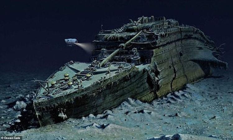 Tour lặn biển nhìn tàu Titanic