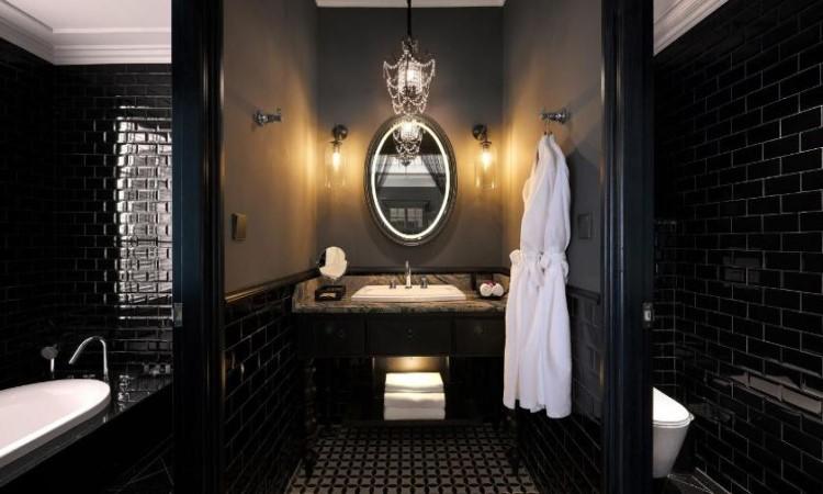 Toilet phòng Suite khách sạn hạng sang hà nội La Siesta 27 Hàng Bè