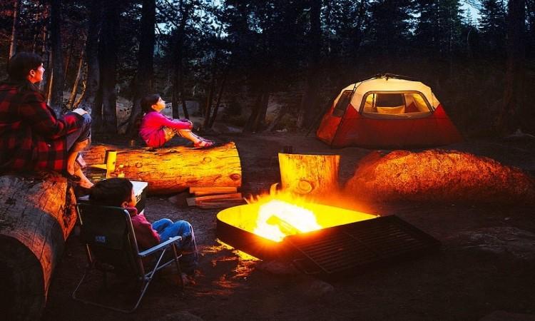 Căm trại trong rừng