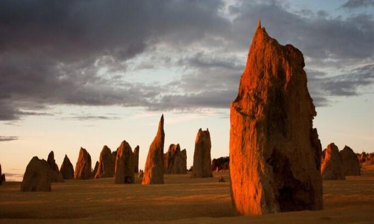 Sa mạc Pinnacles ở Australia